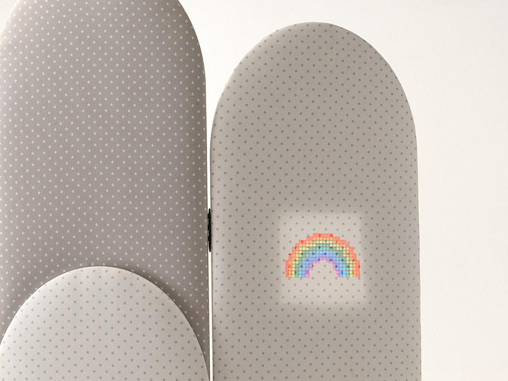 Biombo realizado con textiles inteligentes