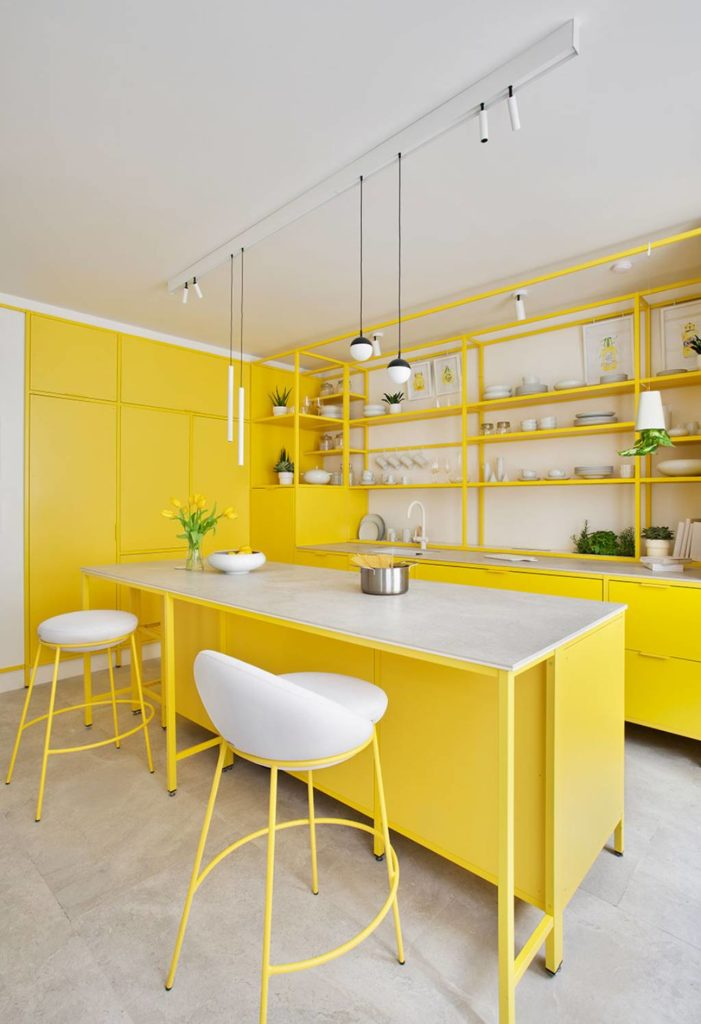 Cocina en amarillo en Casa Decor