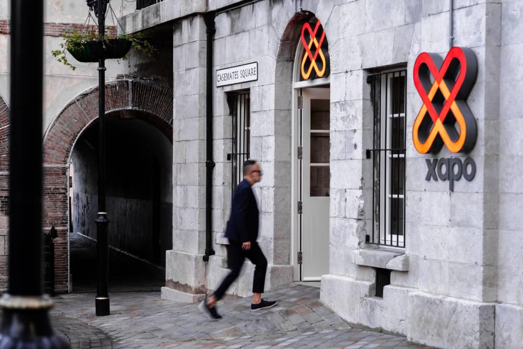 entrada a Xapo Bank en Gibraltar