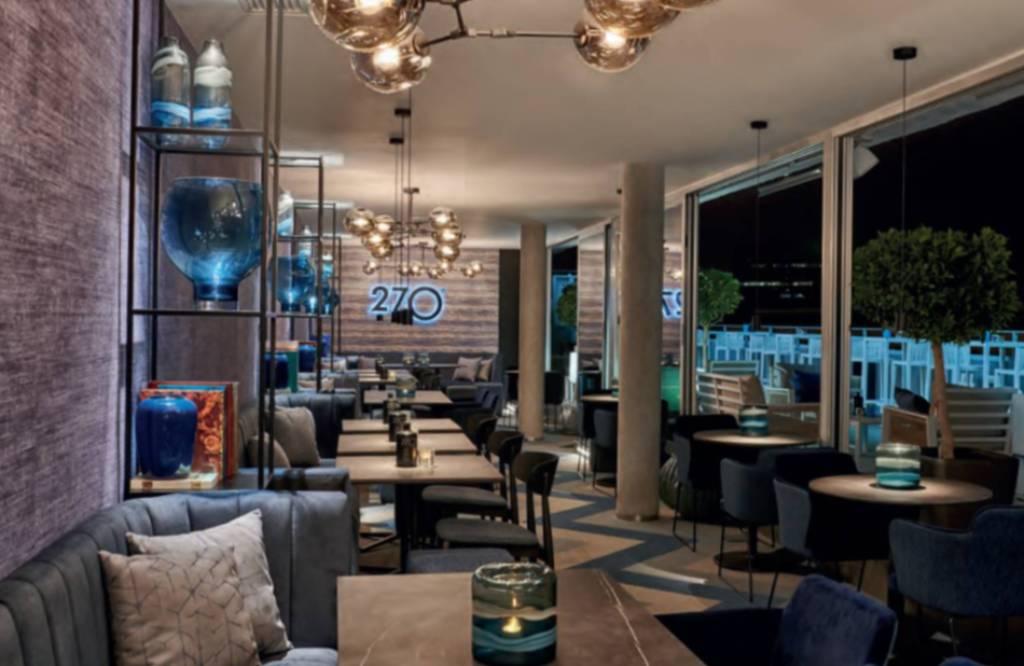 Bar 270º del hotel Barceló en Valencia