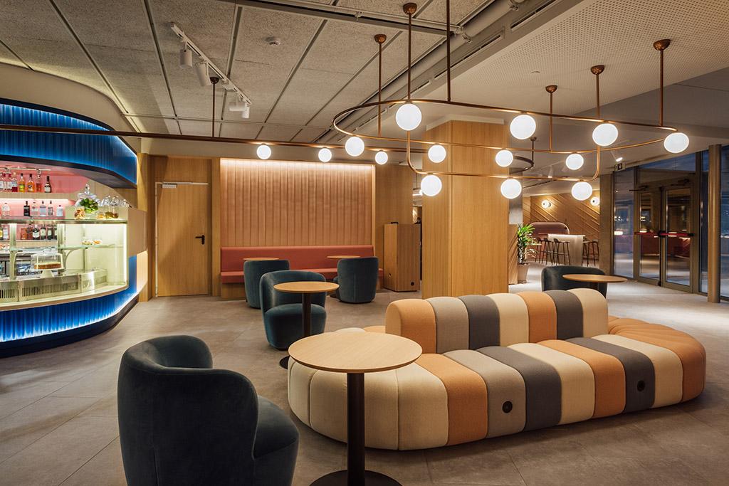 interior Novotel Madrid creado por Stone Designs