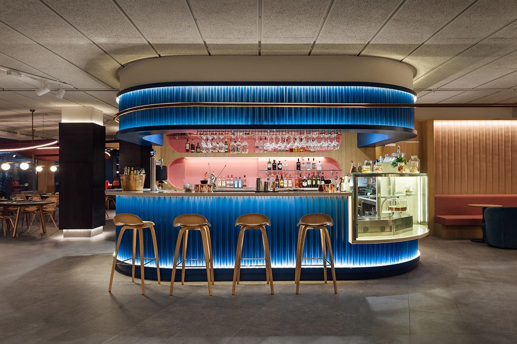 barra de bar diseñada por Stone Designs