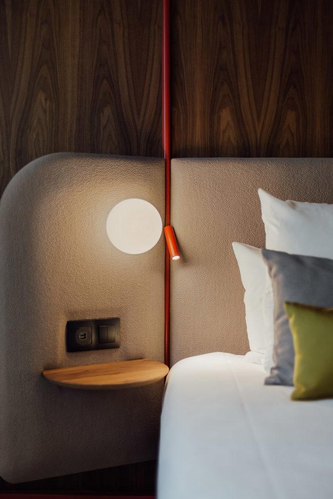 cabezal dormitorio Novotel Madrid City